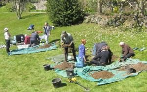 Trowels, toothbrushes and tiles - an archaeological test pit training day in Bovey Tracey