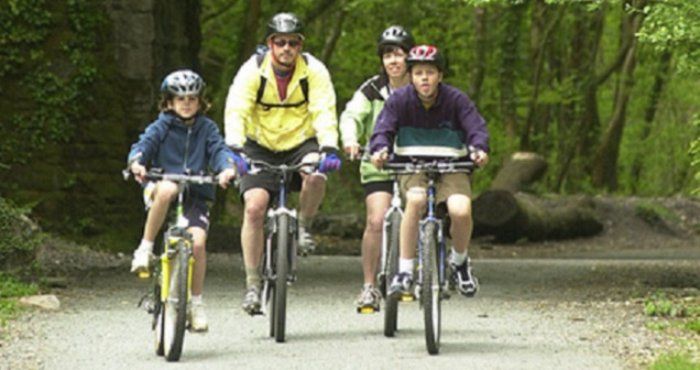 Wray valley Trail cyclists